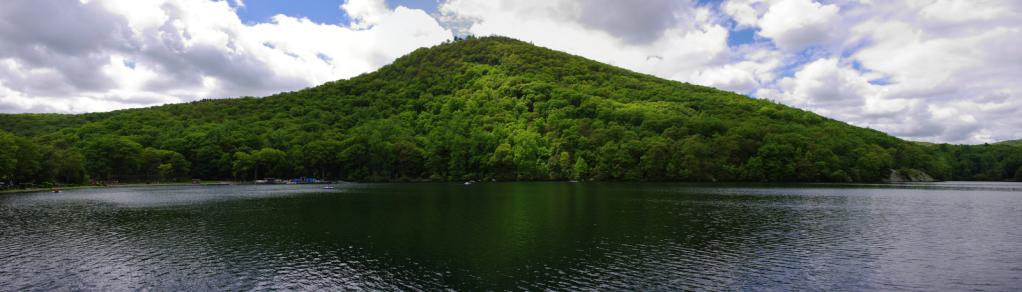 1-20140524-Beaver-Pond-and-Bear-Mountain-camping-IMGP1634-IMGP1636-3-images-9698x2767pano.jpg